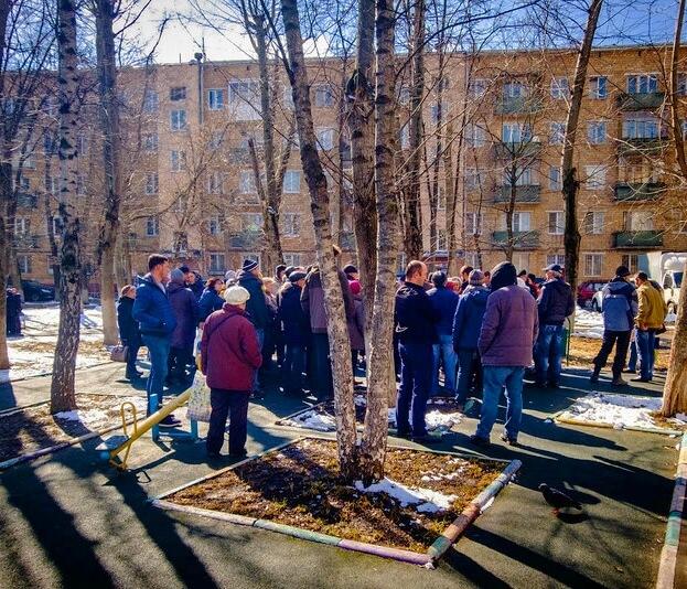 Сбор жильцов для решения вопроса установки игрового комплекса во дворе