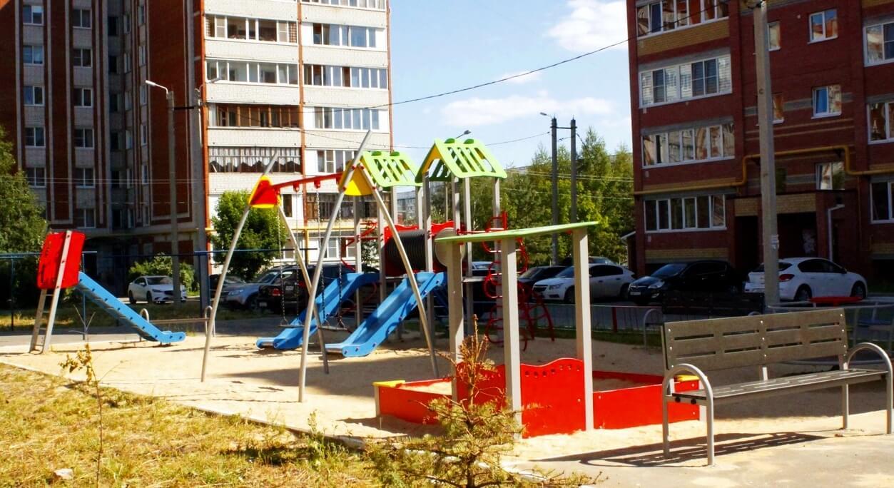 Игровой комплекс для двора в новостройке